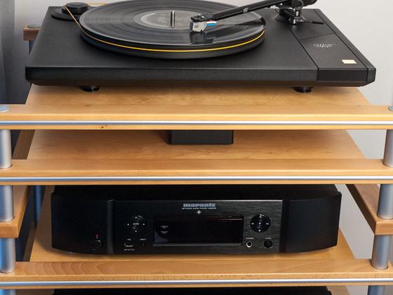 MoFi StudioDeck + StudioPhono, Marantz PM6005 + NA6005