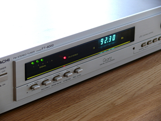 Hitachi FT-8000_schraeg_1024x768
