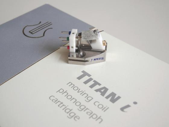 Titan i