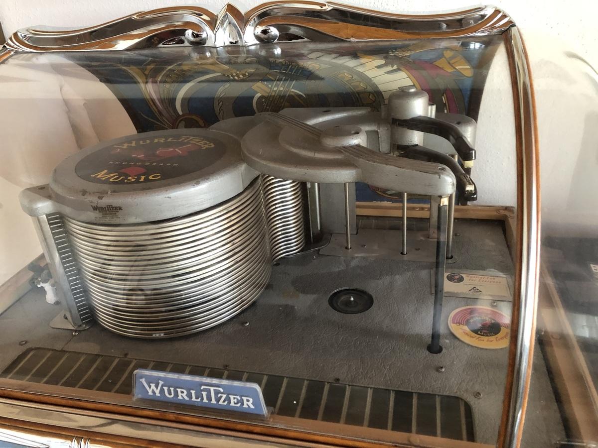 Wurlitzer 1400 - Dome
