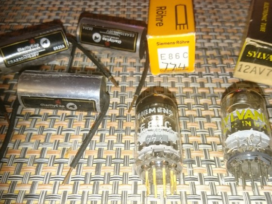 Clarity Caps ESA 0,82uF, E86C, 12AV7