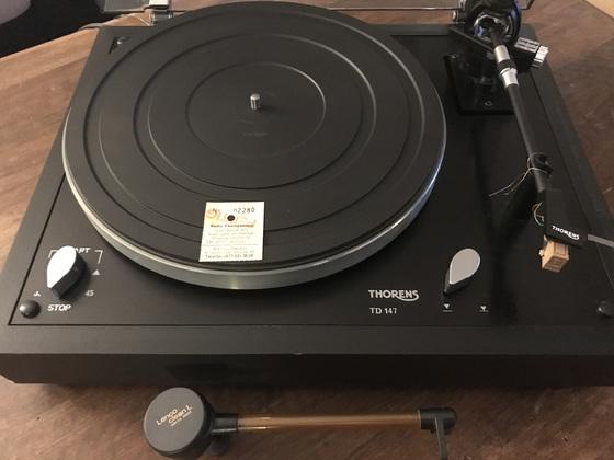 Thorens TD 147