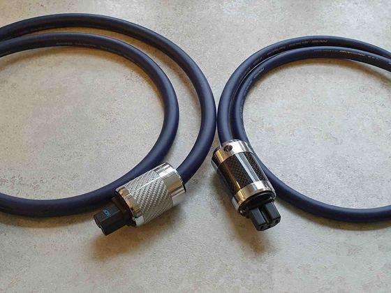 Furutech FP 032 und FP022 (mit schwarzen Karbon Steckern)