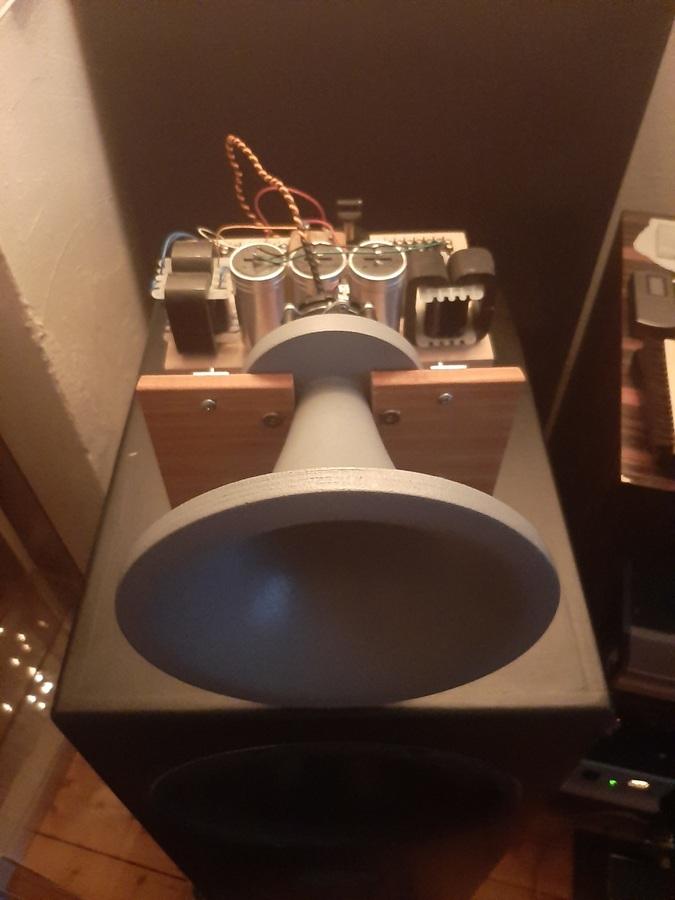 Stereolab SL-600 auf und an Menhir Classic