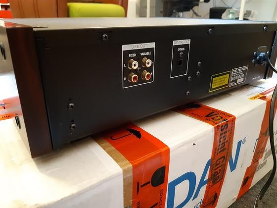 Sony CDP x599ES