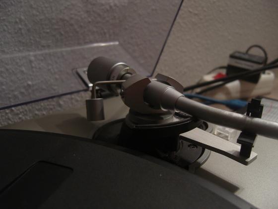 Visonik CEC DD 8200 Tonarm 3