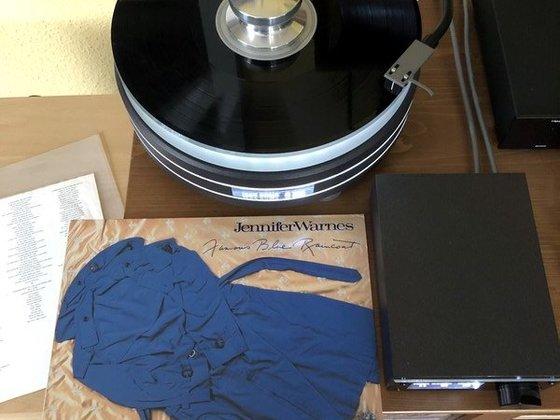 Jennifer Warnes - Famous Blue Raincoat | raan w303