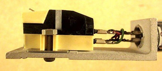 Unirtra MF-100 02