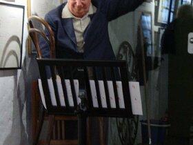 Dieter Schnebel bei einem Konzert in Basel Ende April 2006