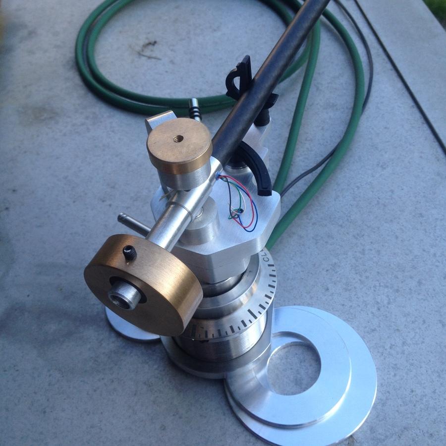 DIY-Magnet/Fadentonarm in Clearaudio-Lifter