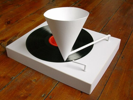 Simon Elvins: Paper Record Player