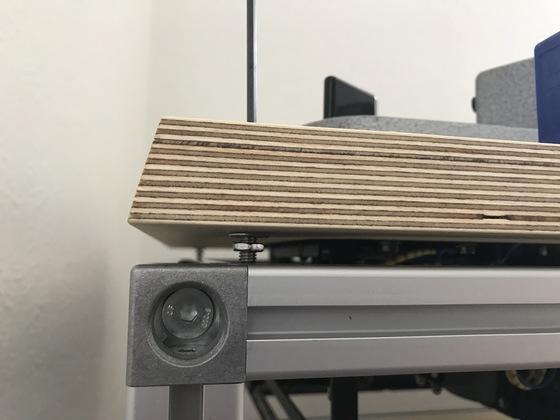 Laufwerkstisch Detail Spike