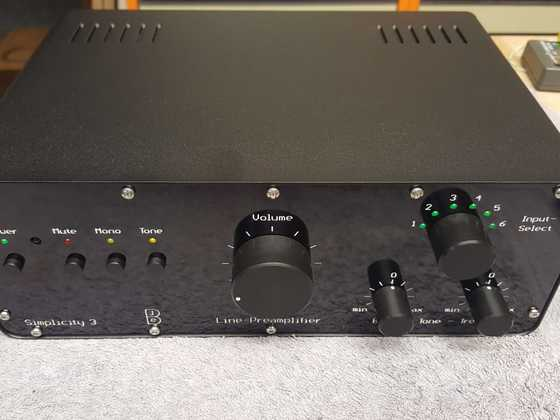 Line-Preamp_Front
