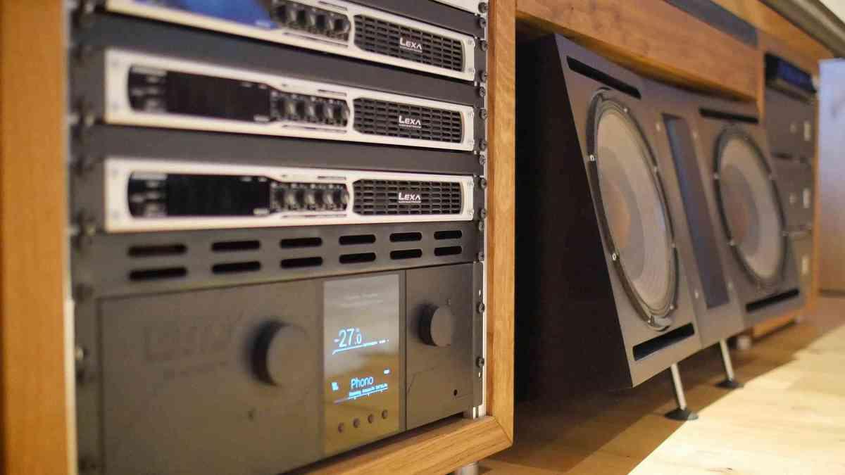 Bohne Audio BB-18 Stereosystem und Kino 7.3.4 Setup mit BB-12 und BB-8